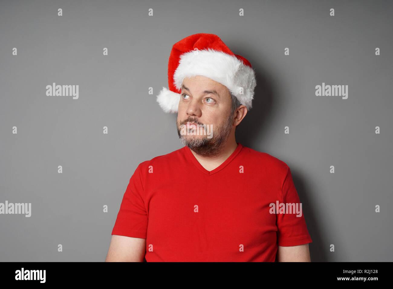 Red T Shirt Stockfotos & Red T Shirt Bilder - Seite 2 - Alamy