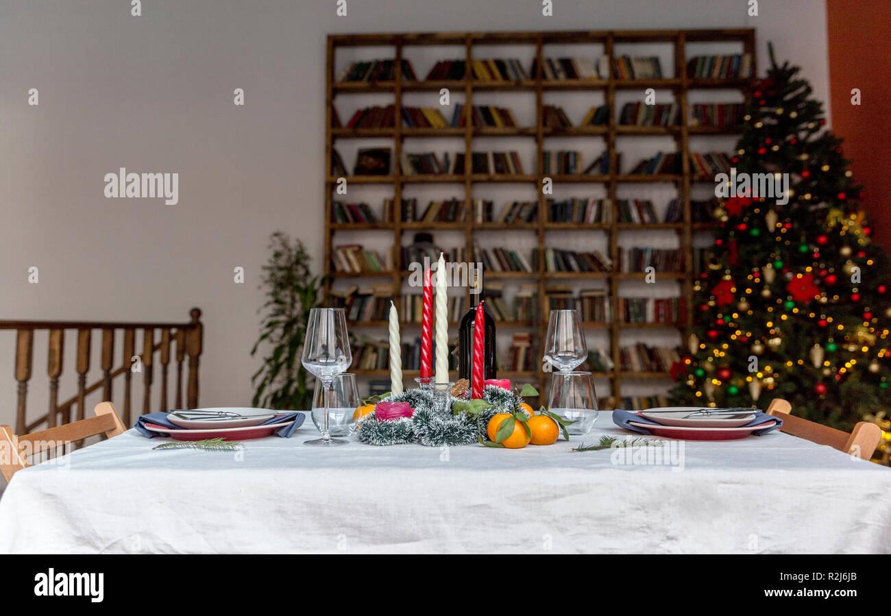 Weihnachten Und Das Neue Jahr Festlich Gedeckten Tisch Mit Platten