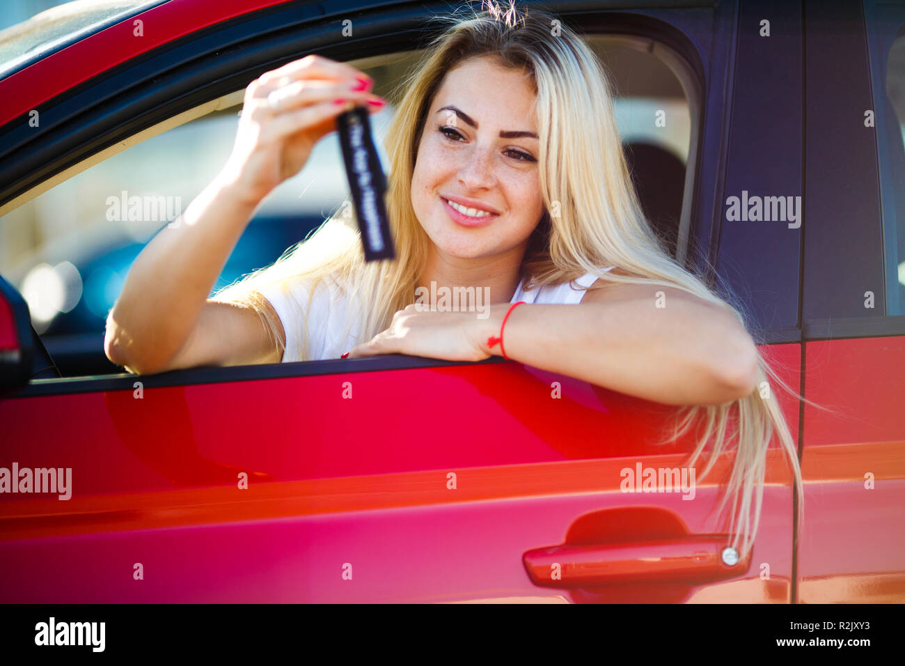 Girl Sitting In Drivers Seat Stockfotos Girl Sitting In Drivers