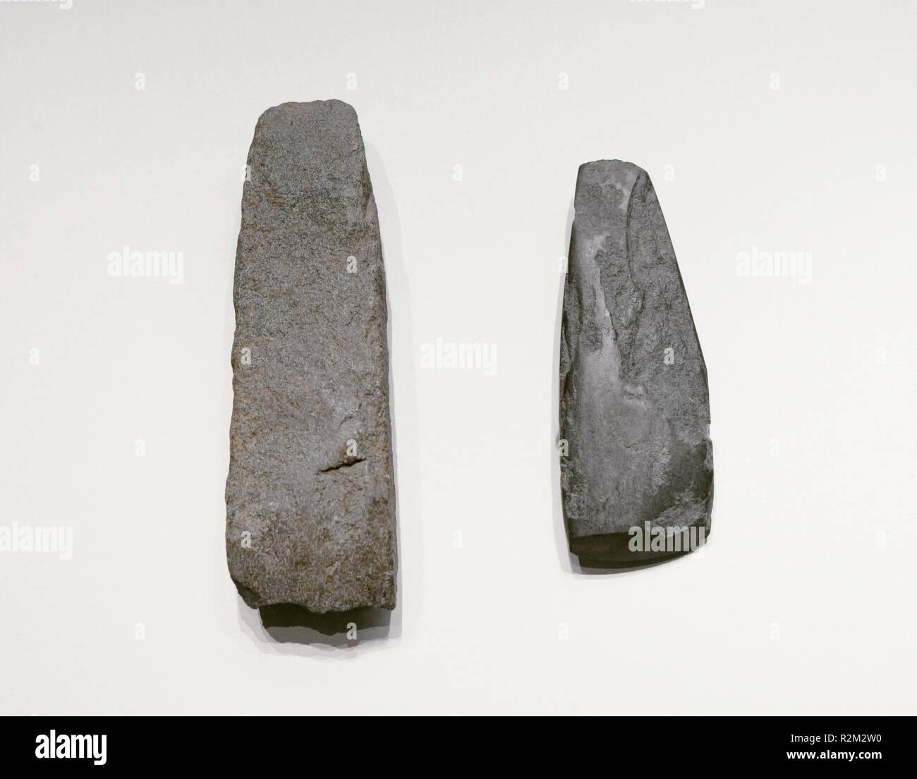 Achsen. Jungsteinzeit. Höhle von La Mora, Jabugo (Provinz Huelva, Andalusien). Nationalen Archäologischen Museum. Madrid. Spanien. Stockbild