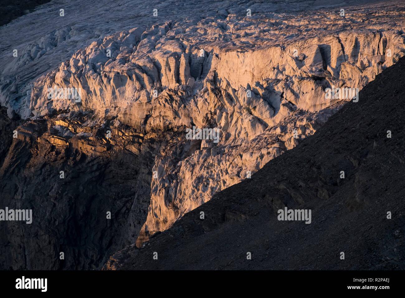 Eisfall im Teischnitzkees Gletscher, Abendlicht, Hohe Tauern Osttirol, Österreich Stockbild
