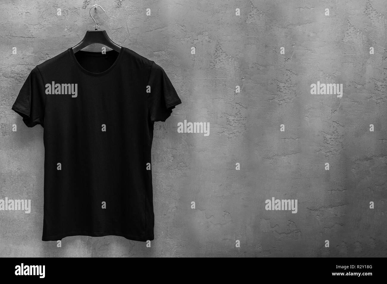 online store 7fd89 9ff61 Vorderseite der männlichen schwarzen Baumwoll-T-Shirt auf ...
