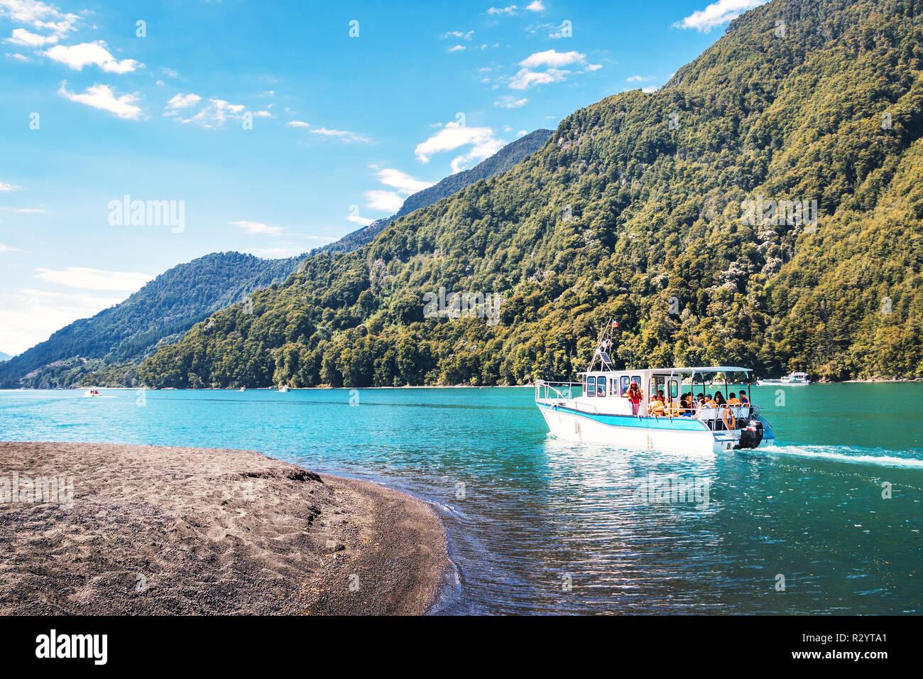 Boot auf Todos Los Santos See - Los Lagos Region, Chile Stockbild
