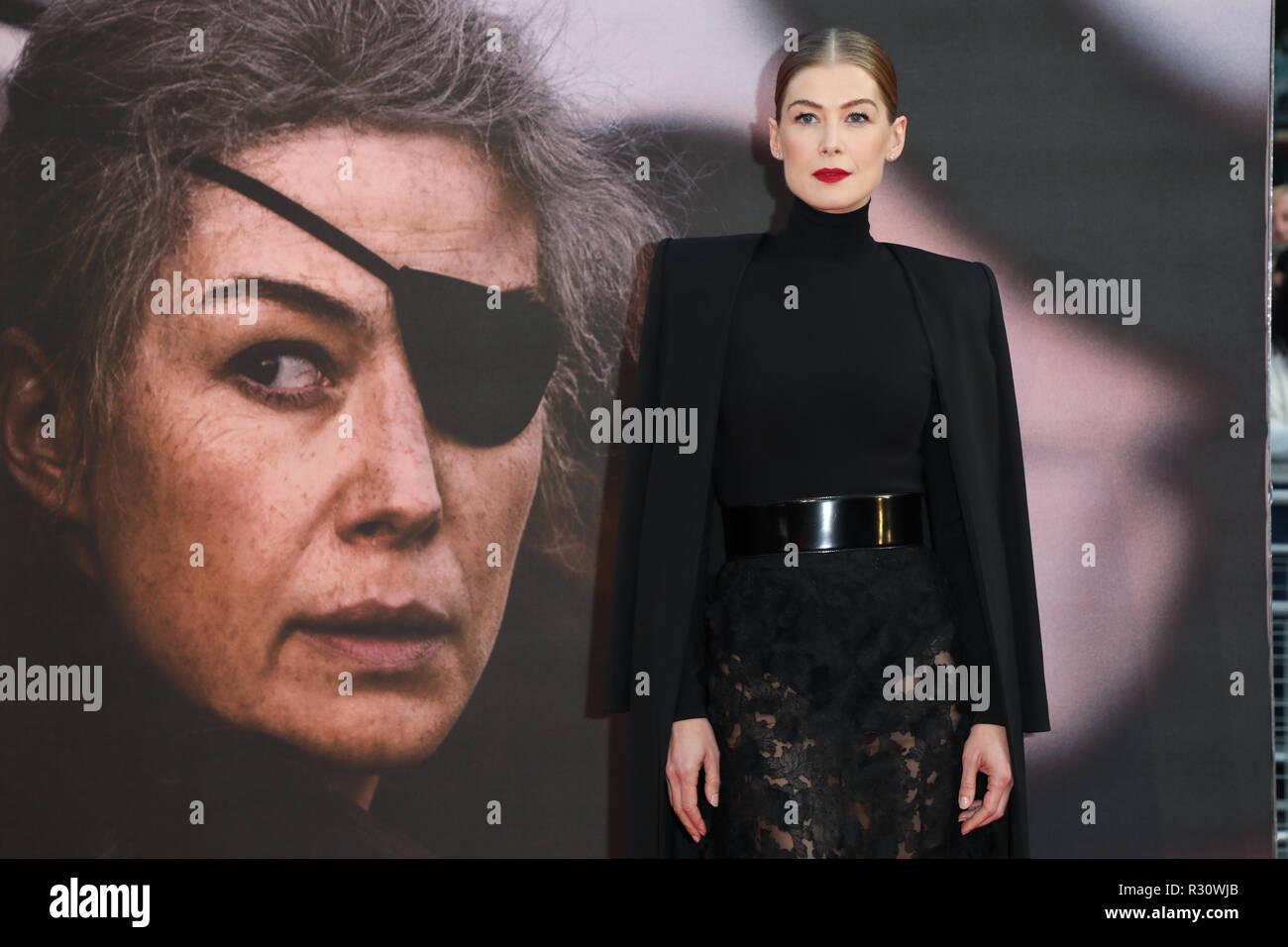 BFI London Film Festival - ein eigenes Krieg Premiere - Ankunft mit: Rosamund Pike, Wo: London, Vereinigtes Königreich, wenn: 20 Okt 2018 Credit: Lia Toby/WENN.com Stockfoto