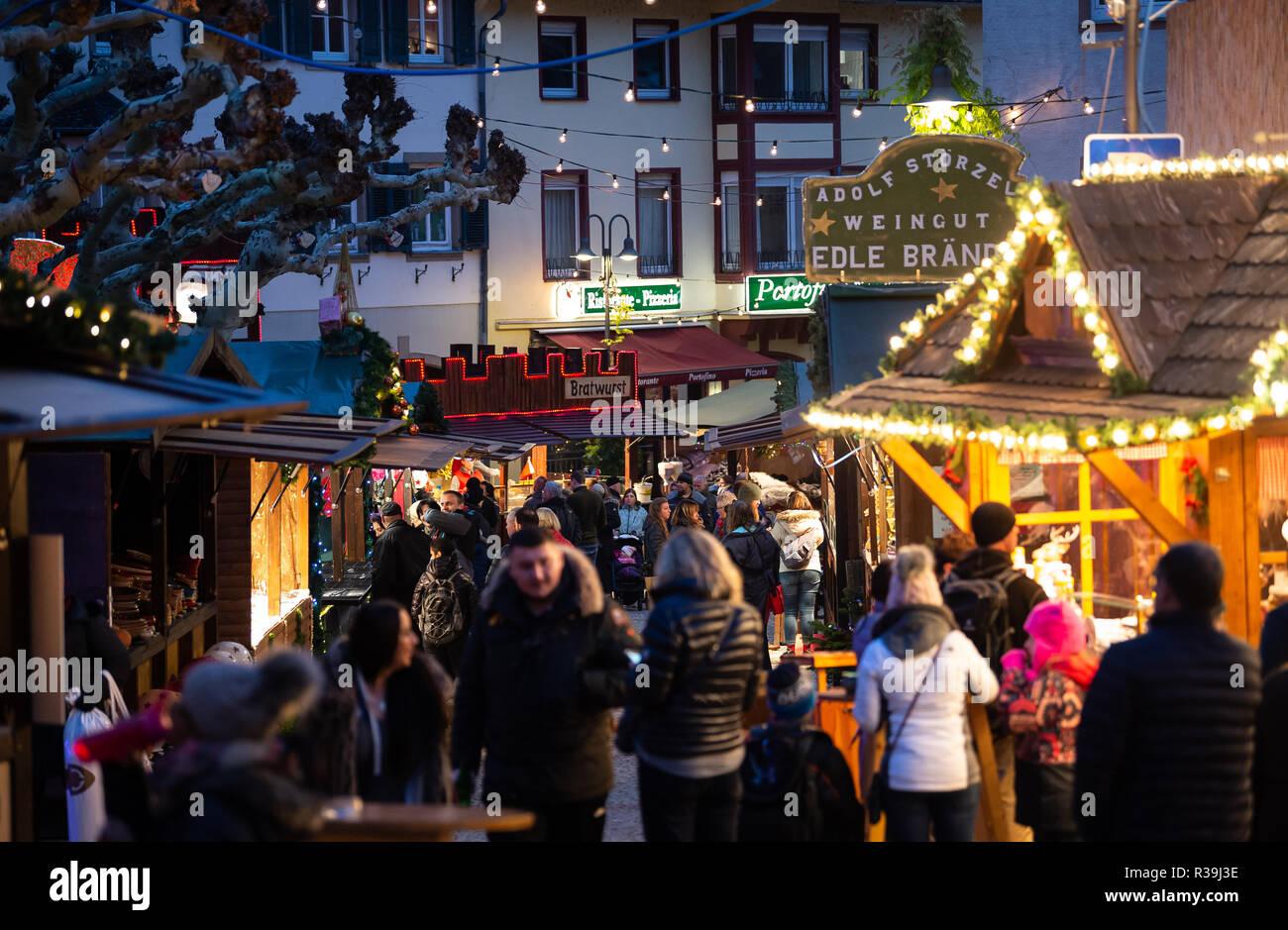 Weihnachtsmarkt Anfang.Hessen Rüdesheim Deutschland 22 Nov 2018 Besucher Spaziergang