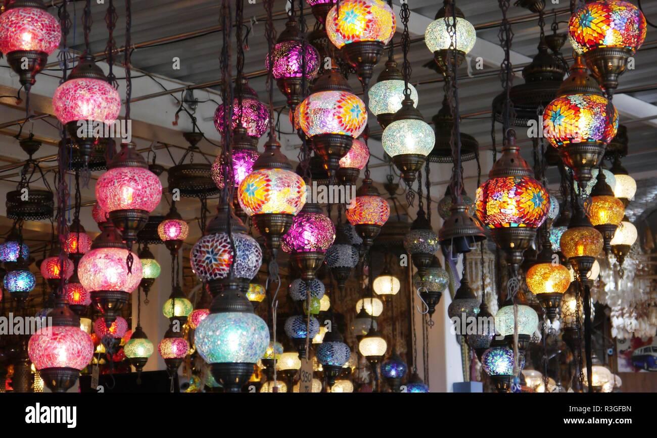 Das türkische Mosaik Lampen und Anhänger in Oludeniz, Türkei ...