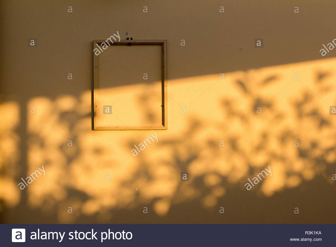 Rahmen Ohne Fotos An Der Wand Stockfoto Bild 225997166 Alamy
