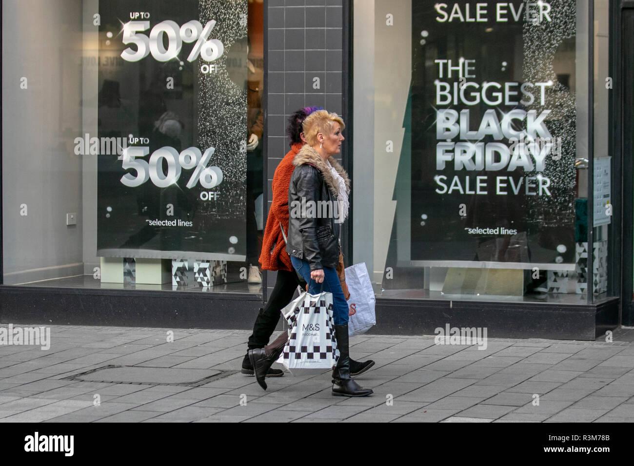 Female On Left Stockfotos & Female On Left Bilder - Seite 3 - Alamy