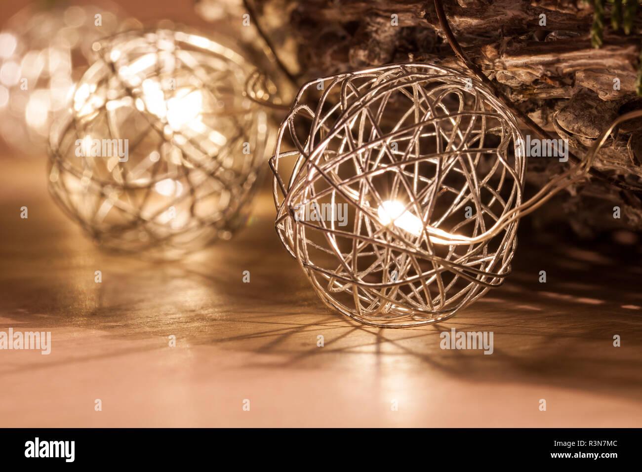 Weihnachtsbeleuchtung Kranz.In Den Käfig Led Weihnachtsbeleuchtung Led Leuchten Um Den Kranz Mit