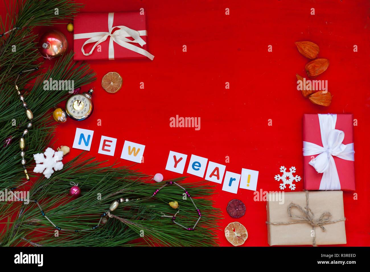 Weihnachten Geschenke 2019.Winter Weihnachten Hintergrund Weihnachtsbaum Geschenke Neues Jahr