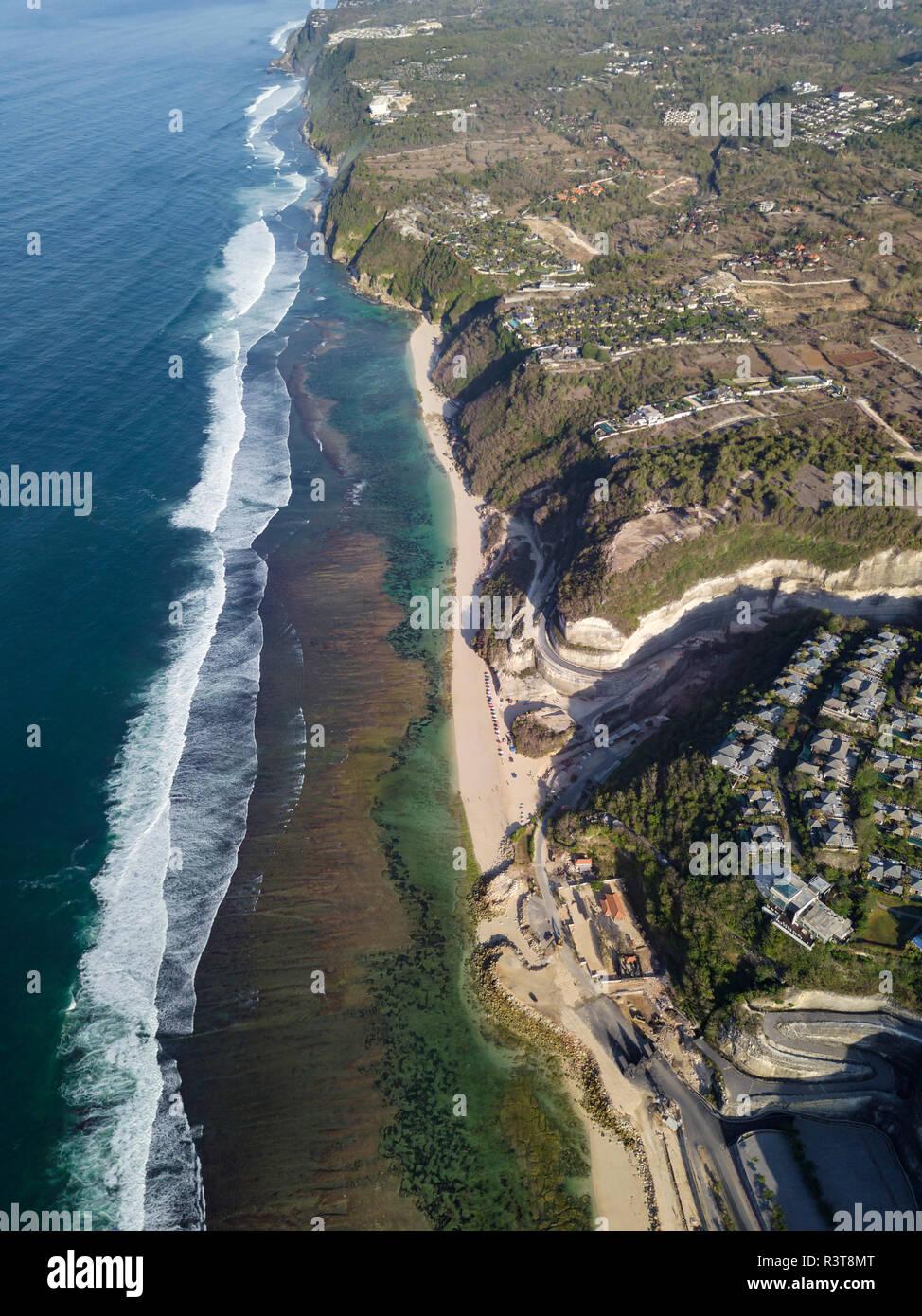 Indonesien, Bali, Luftaufnahme von Melasti Beach Stockfoto