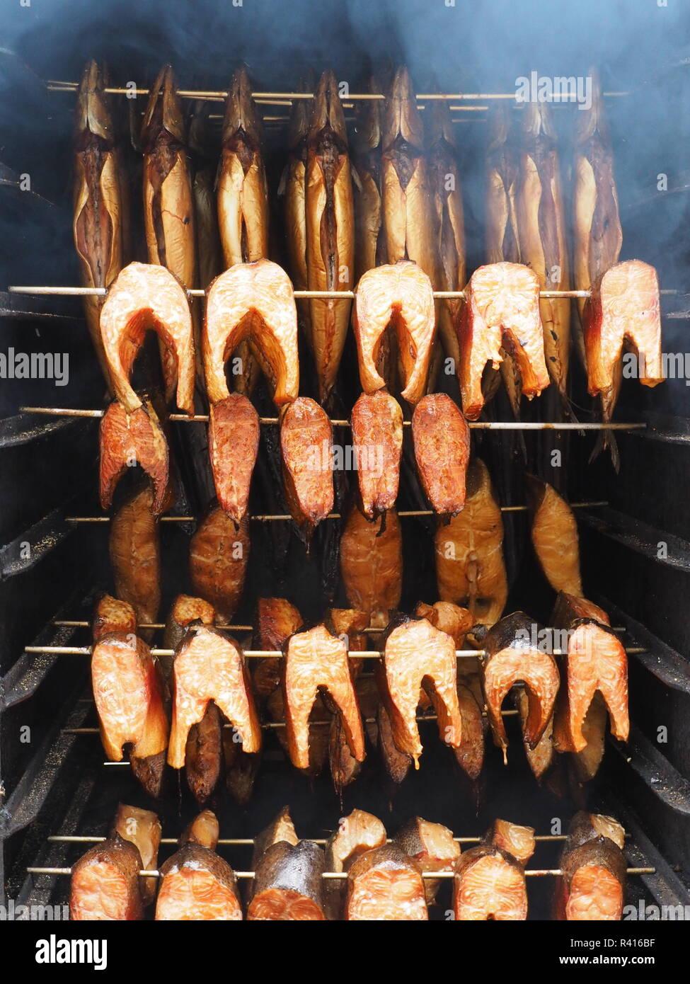 Smoked Fish Food Smoker Stockfotos & Smoked Fish Food Smoker