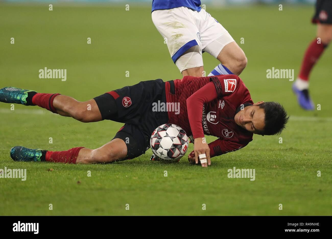 Firo: 24.11.2018 Fußball, Fußball, 1.Bundesliga, Saison 2018/2019, FC Schalke 04 - 1.FC Nürnberg 5:2 Yuya Kubo. | Verwendung weltweit Stockbild