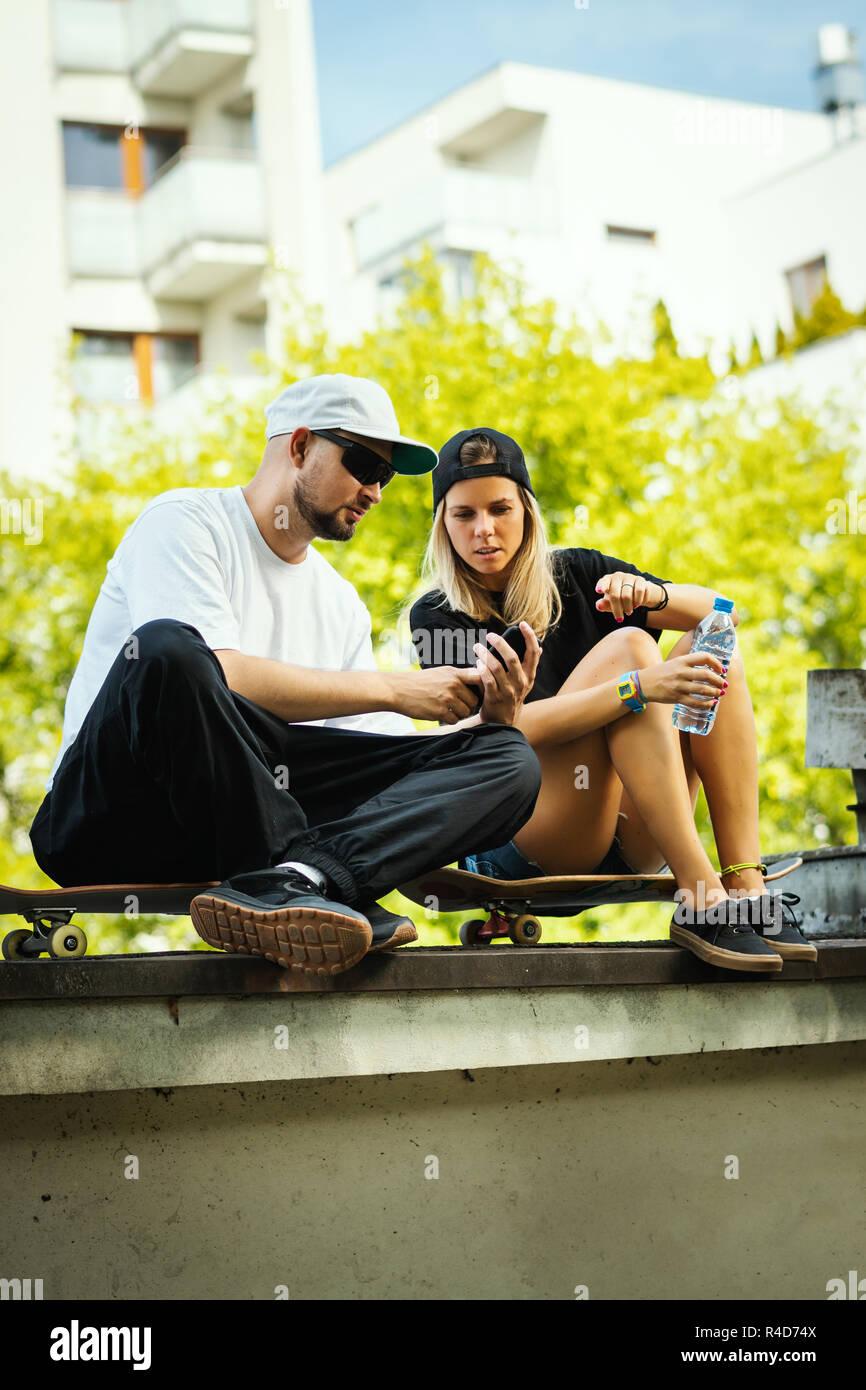 Dating ein Skater-Mädchen Asiatischer Knabendating-Website