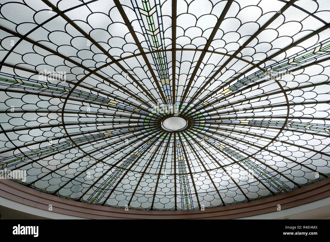 Art Deco Deckenleuchte Im Dach Des Palm Court Bar Burgh