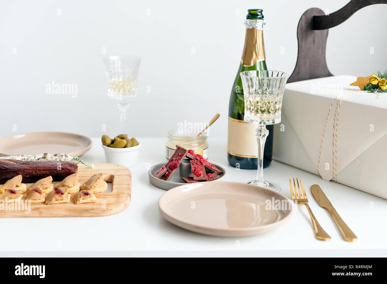 Geschenkideen Weihnachten Essen.Neues Jahr Champagner Und Vintage Französische Gläser Essen Für