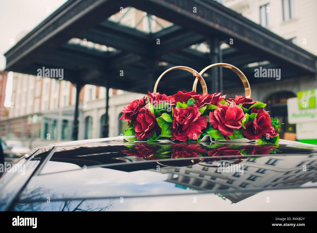 Schone Blumen Dekoration Auf Hochzeit Auto Motorhaube Mit See