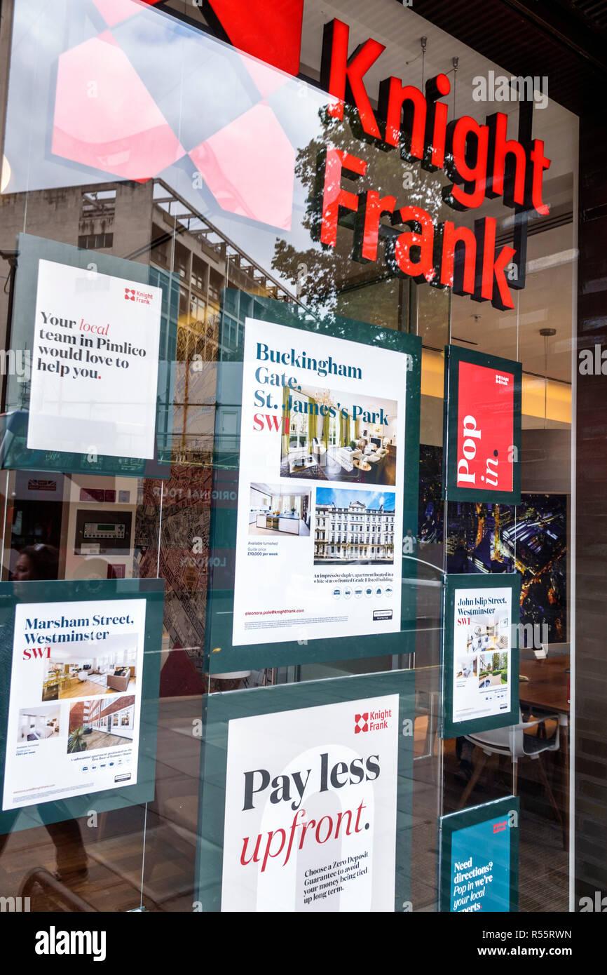 Vereinigtes Königreich Großbritannien England London Westminster Knight Frank real estate Sales Office realtor Außen aufgeführten Eigenschaften anzeigen Stockbild