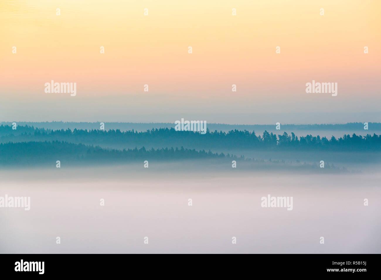Sonnenaufgang auf der Leuchtenburg, Nebel, Herbst, Thüringen, Deutschland Stockfoto
