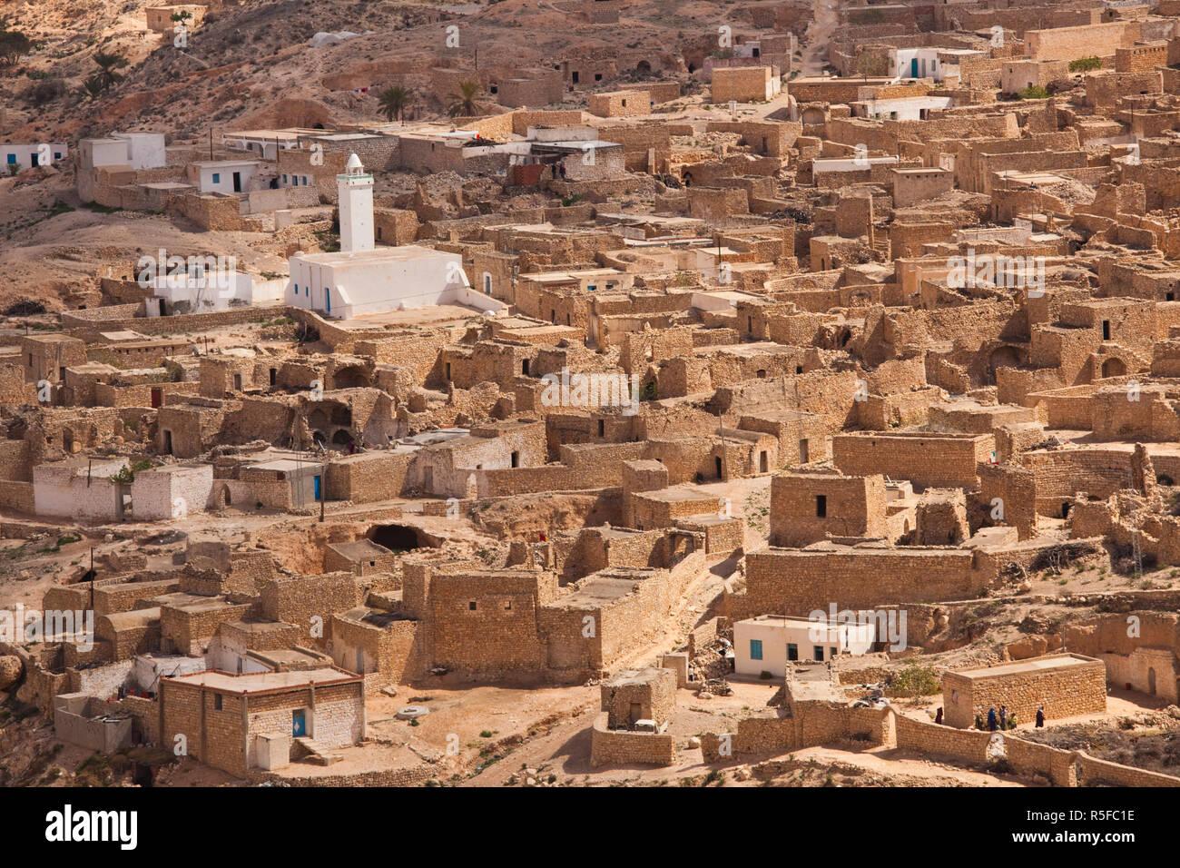 Tunesien, Ksour Bereich Toujane, Berberdorf entlang Route C 104 Stockbild