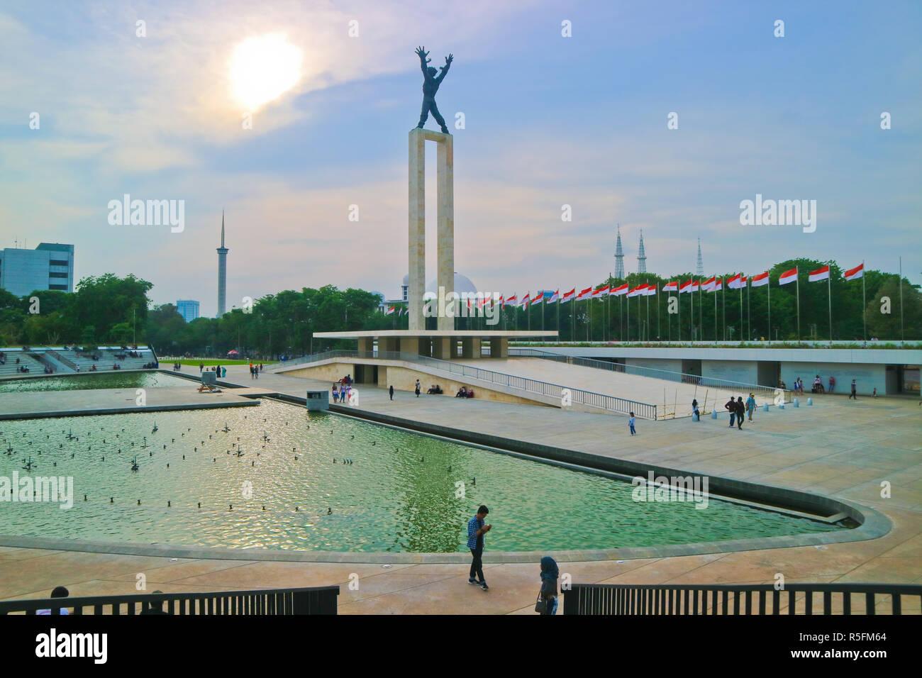 Eine Freiheit, die Statue an lapangan Banteng am Sunset moment Stockfoto