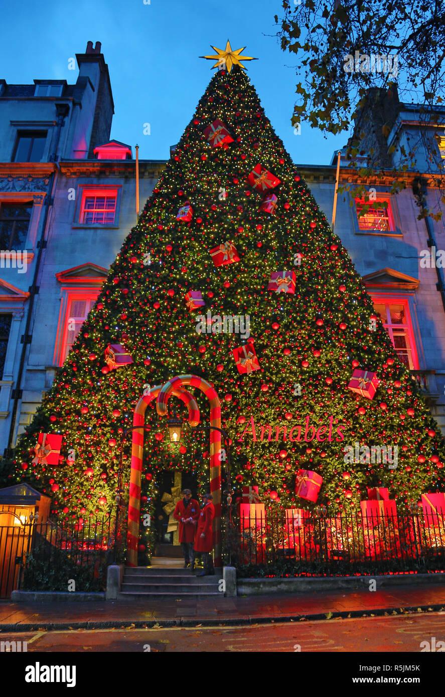 London Grossbritannien 1 Dezember 2018 Riesige Christbaumschmuck