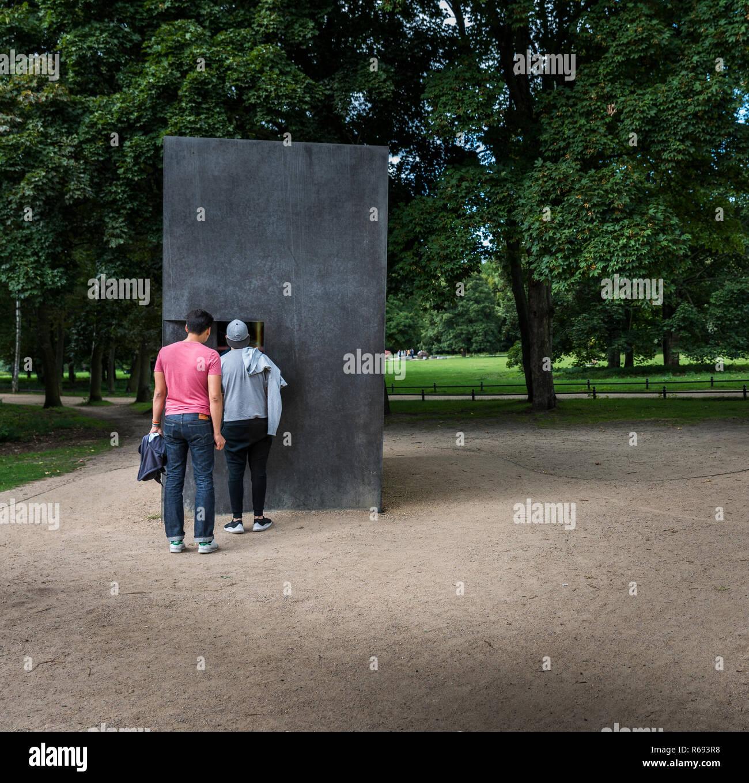 Cube in Berlin Stockbild