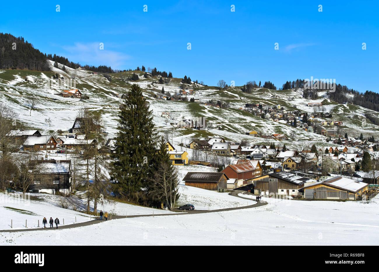 Bei Pre-Wintertime in Urnäsch, Kanton Appenzell Ausserrhoden, Schweiz Stockbild