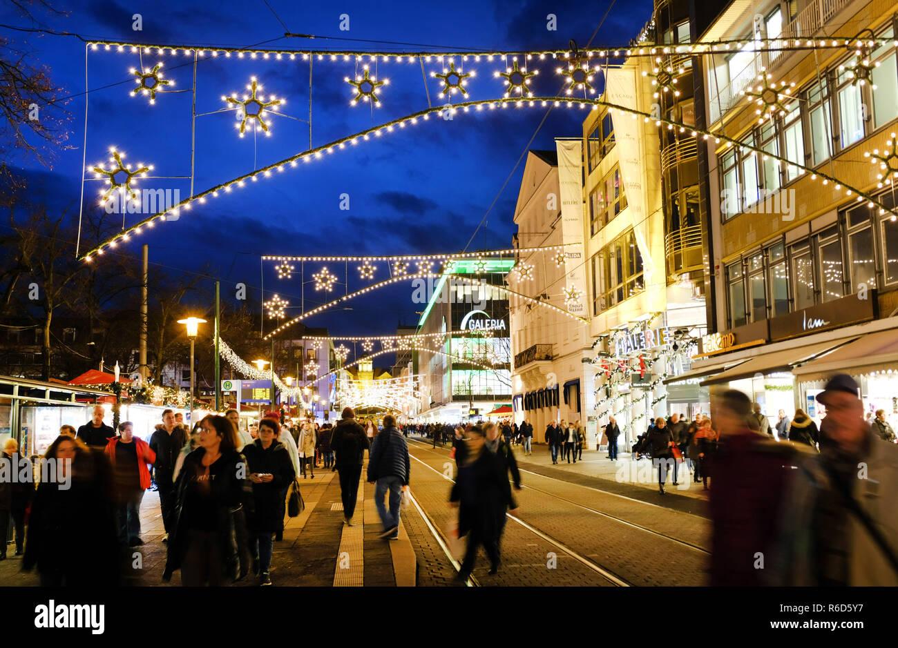 Ab Wann Weihnachtsbeleuchtung.03 Dezember 2018 Hessen Kassel Die Weihnachtsbeleuchtung In Der