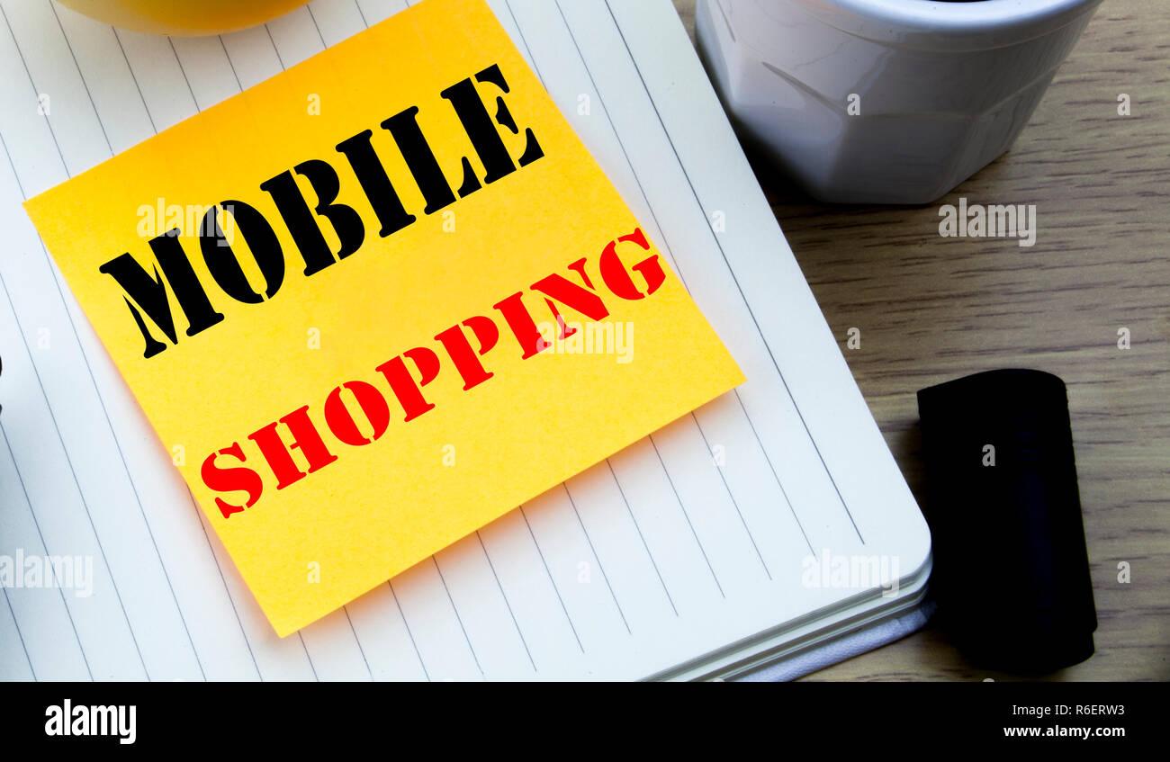 Schreiben Text Zeigt Das Mobile Einkaufen Business Konzept Für