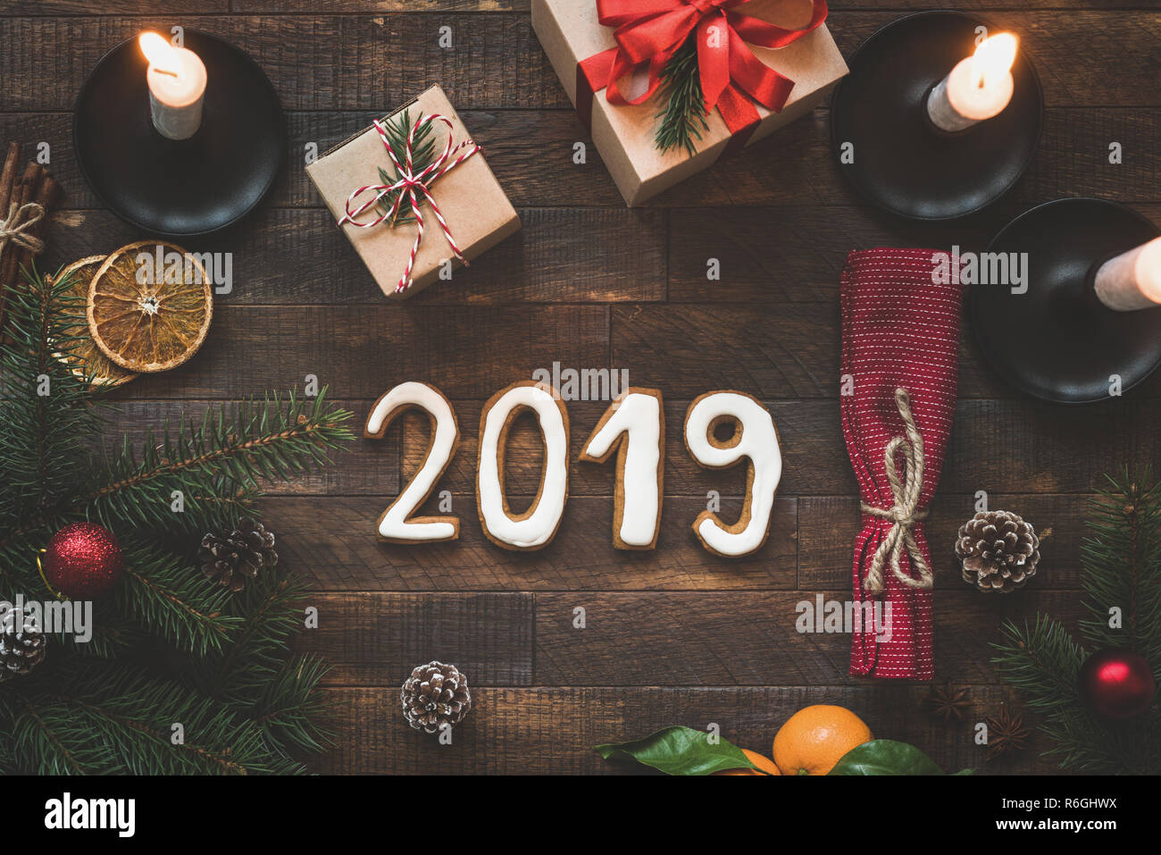 Winterurlaub Weihnachten 2019.Silvester Oder Weihnachten Tabelle Mit 2019 Buchstaben Winterurlaub