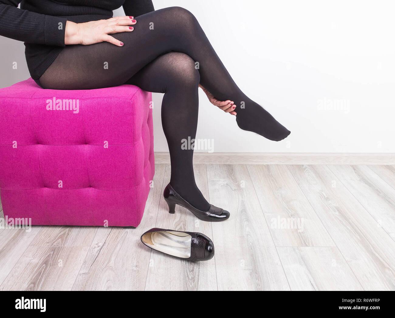 High Of Thigh Stockfotos & High Of Thigh Bilder Alamy