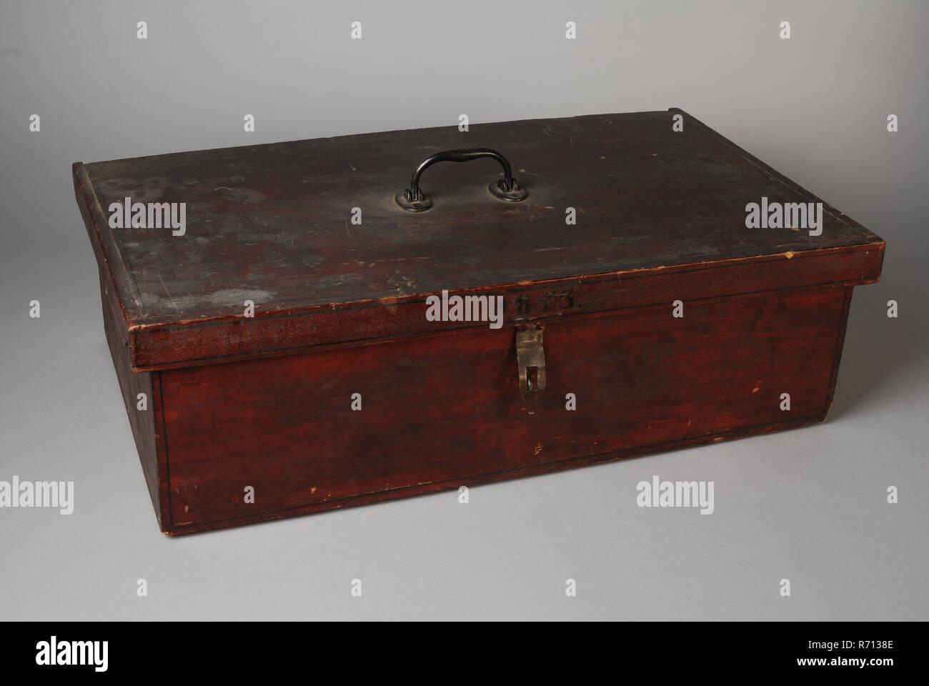 Rechteckige Box Mit Klappdeckel Aussen Farbe Mahagoni Gebeizt Innen