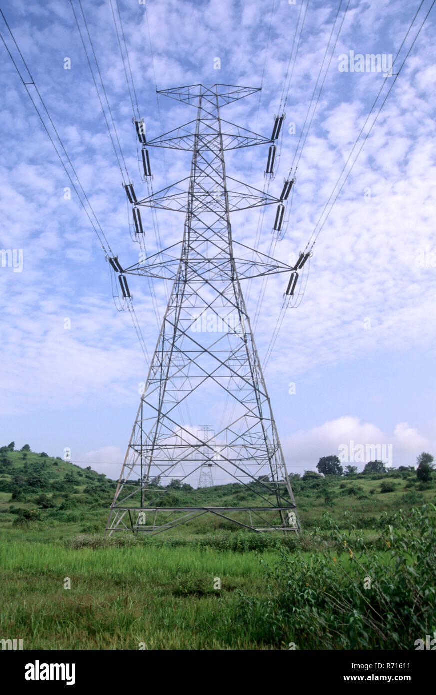 Elektrische Stromleitungen an murbad, kalyan, Maharashtra, Indien Stockbild