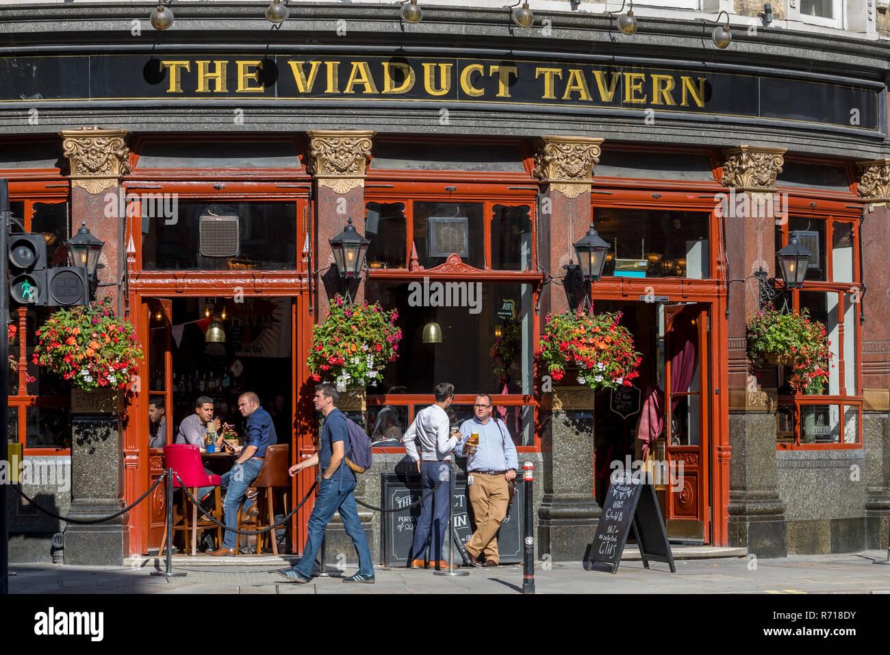 Berühmte und aufgeführten Pub der Viadukt Taverne, Holborn, London, Vereinigtes Königreich Stockbild