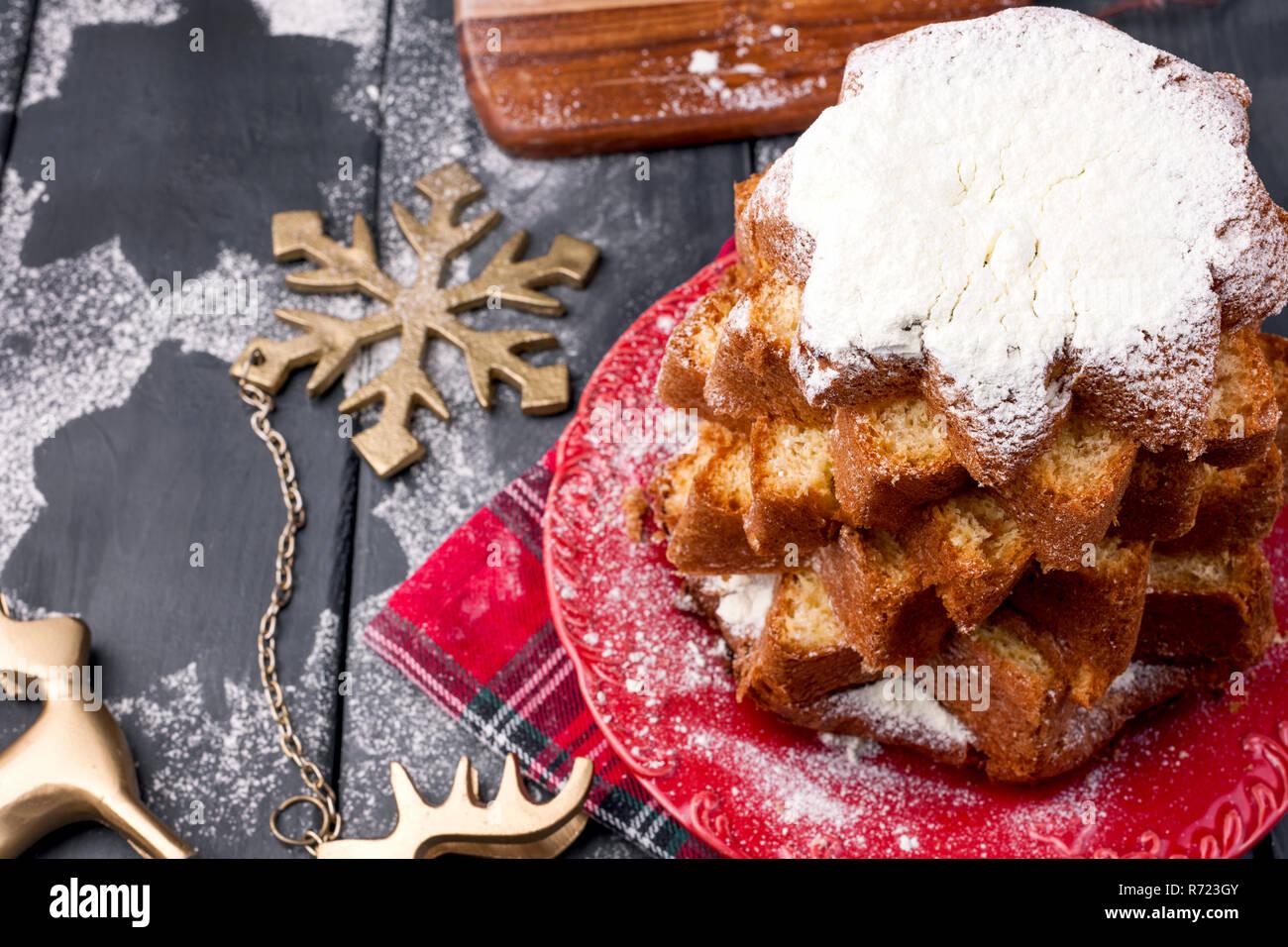 Italienische Weihnachten Kuchen Mit Puderzucker Traditionelle