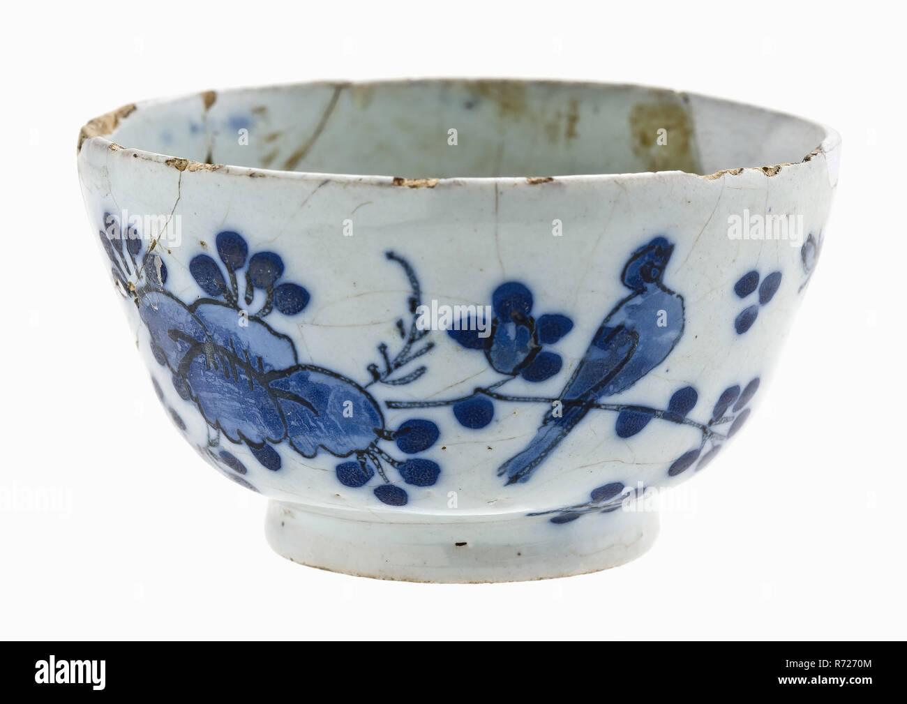 Fayence Tee Schale Schussel Mit Blauem Dekor Im Orientalischen Stil Mit Blume Sprays Vogel Und Schmetterlinge
