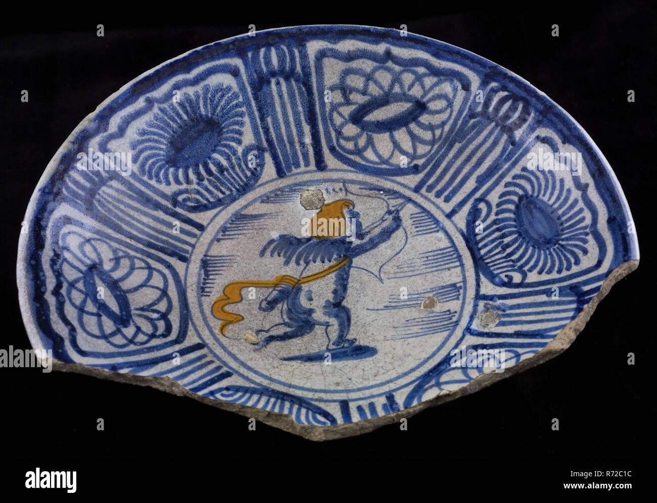 Majolika Teller Blau Orange Auf Weiss Putto Mit Pfeil Und Bogen Rim In Wanli Stil Teller