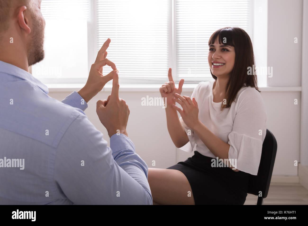 Der Dating-Coach online subtitrat