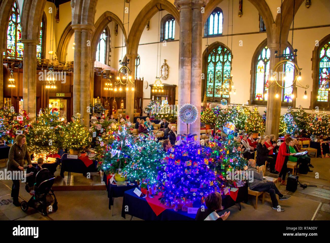 Weihnachtslieder Kirche.Christmas Tree Festival In Der Kirche Von St Paul S Bedford
