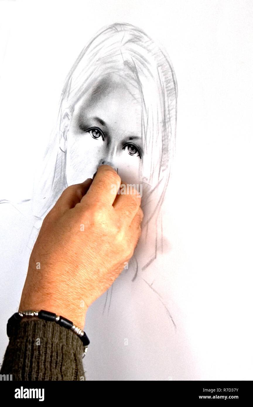 Ein Kunstler Zeichnen Ein Madchen Portrat Mit Kohle Bleistift