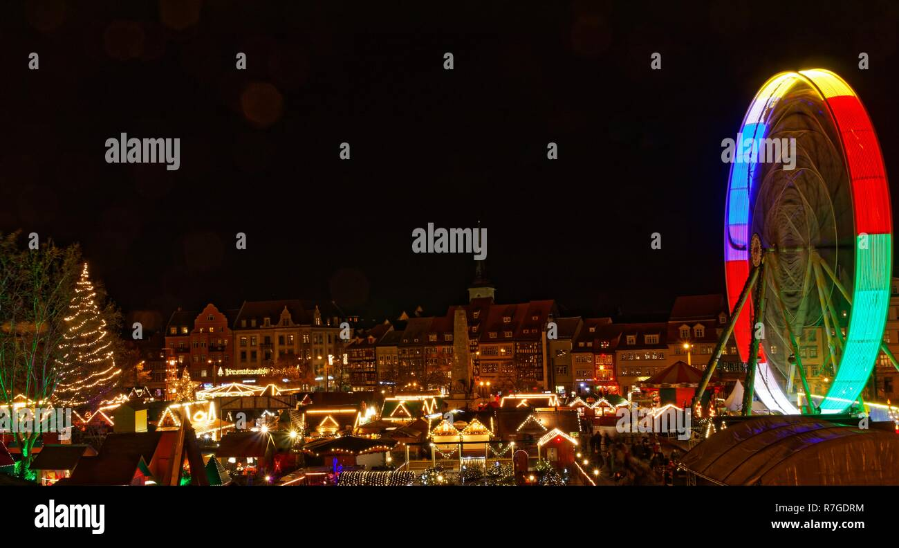 Weihnachtsmarkt in Erfurt am Domplatz Stockbild