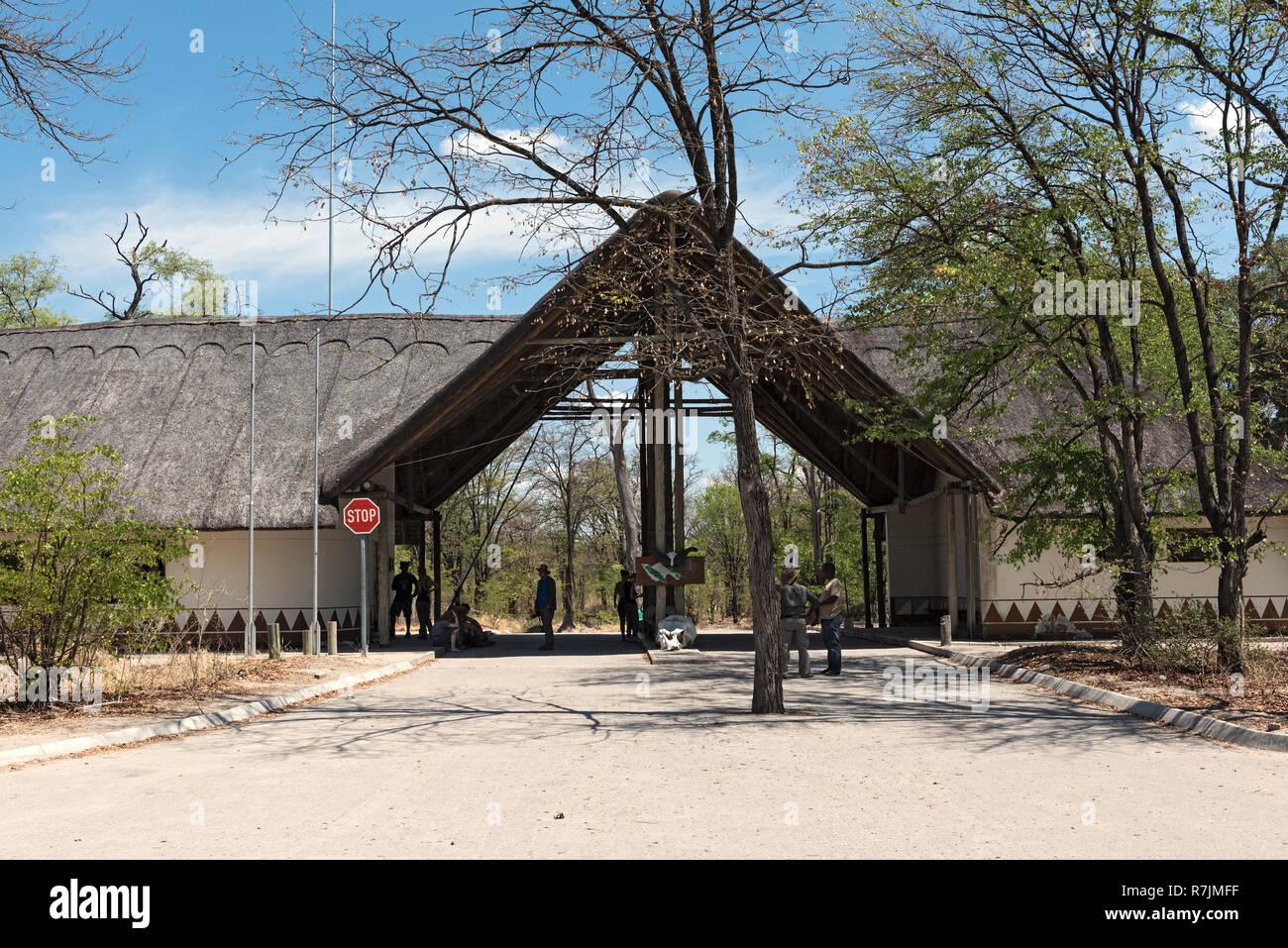 Eingangstor in das Moremi Game Reserve, Botswana, Afrika Stockbild
