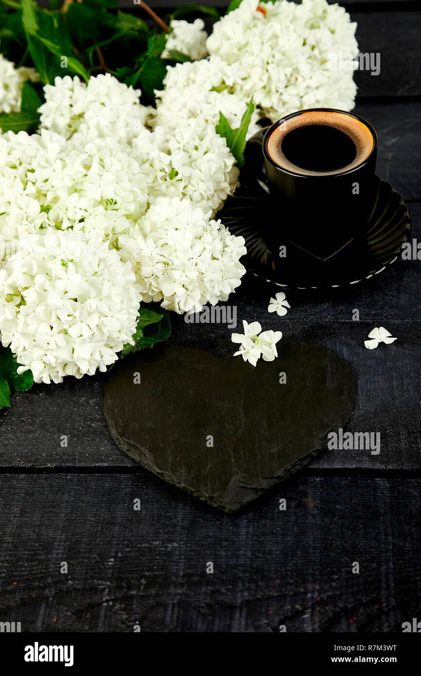 Tasse Kaffee Mit Blumenstrauß Blume Hortensie Und Schiefer