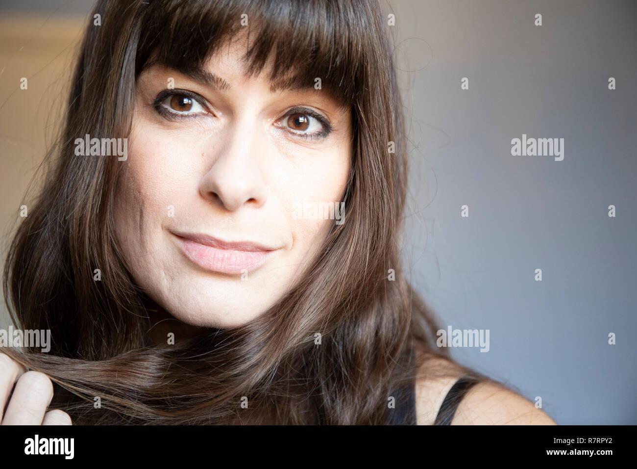 Junge Frau Nahaufnahme Porträt Kaukasische Mit Braunen Langen