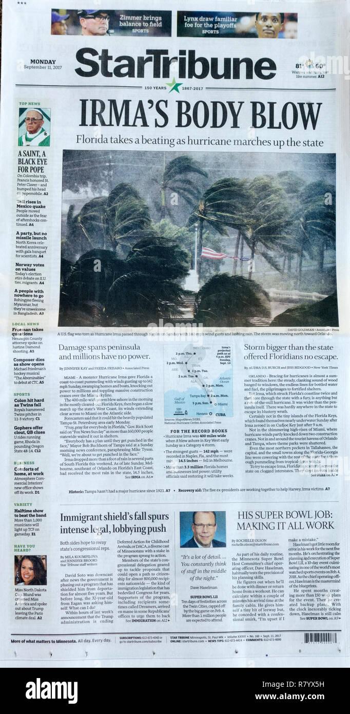 Zeitung StarTribune die Vorderseite zeigt die Zerstörung des Hurrikans Irma auf Naples Florida 9/11/17. St. Paul Minnesota MN USA Stockbild