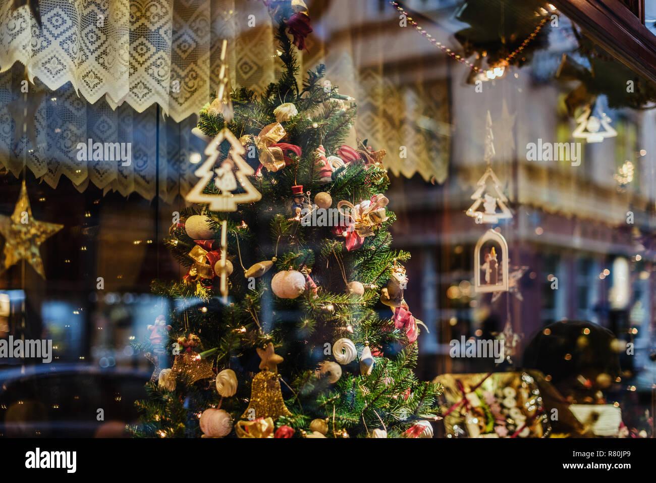 österreich Weihnachtsbaum.Wien österreich 21 Dezember 2017 Vitrine Mit Weihnachtsbaum