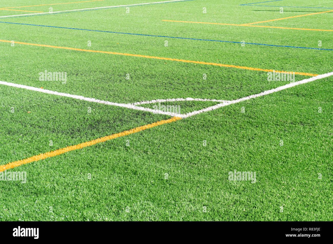 Fussball Feld Mit Einem Neuen Kunstrasenplatz Weisse Ecke