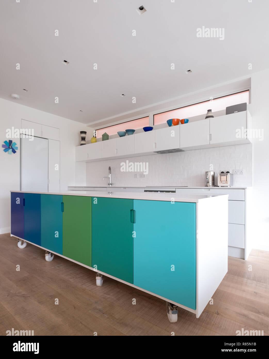 Individuell angefertigte Küche Insel in offene Küche, industrielle ...