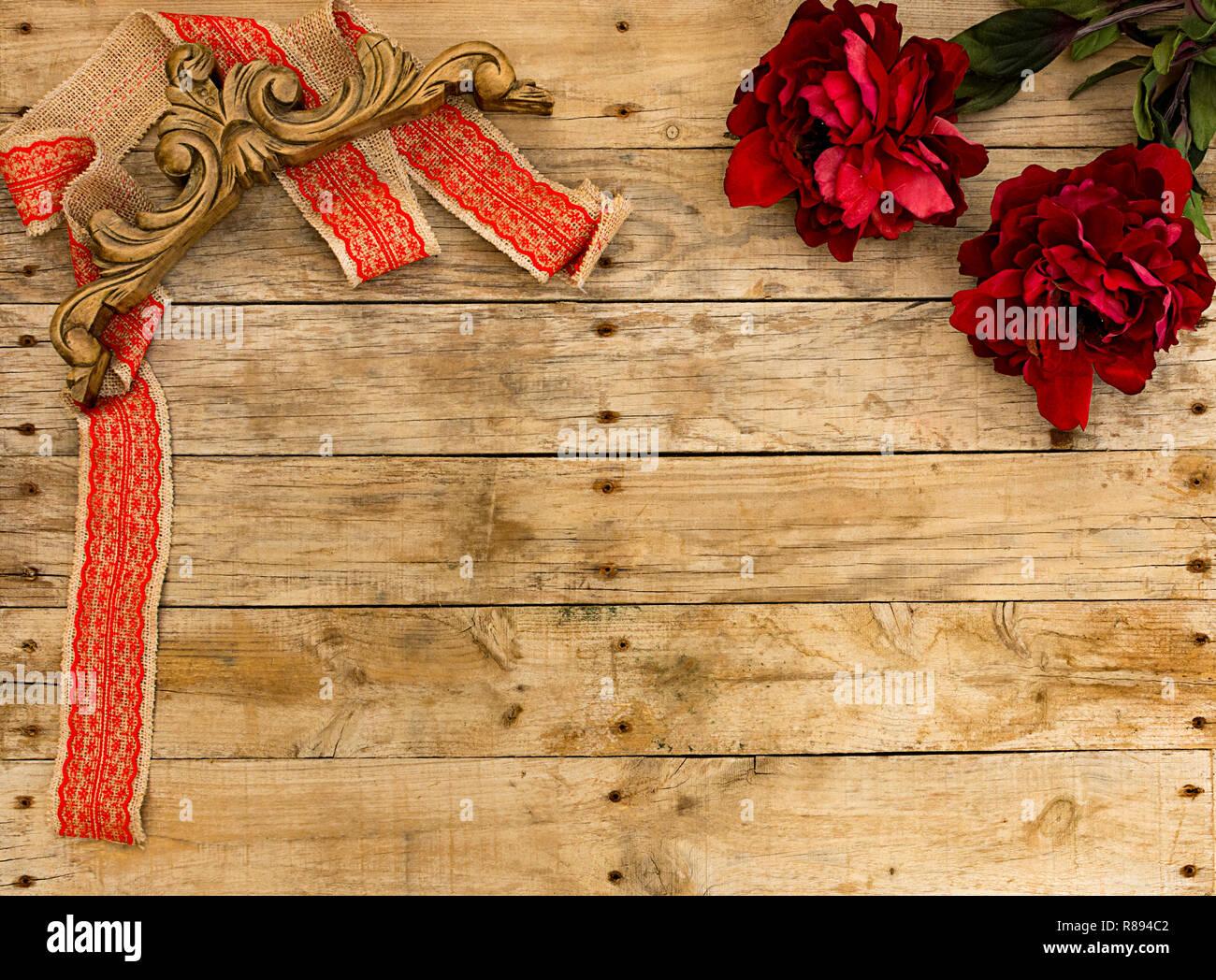 Weihnachtsgrüße Postkarte.Weihnachten Rahmen Red Ribbon Mit Vintage Holz Ornament Und Roten